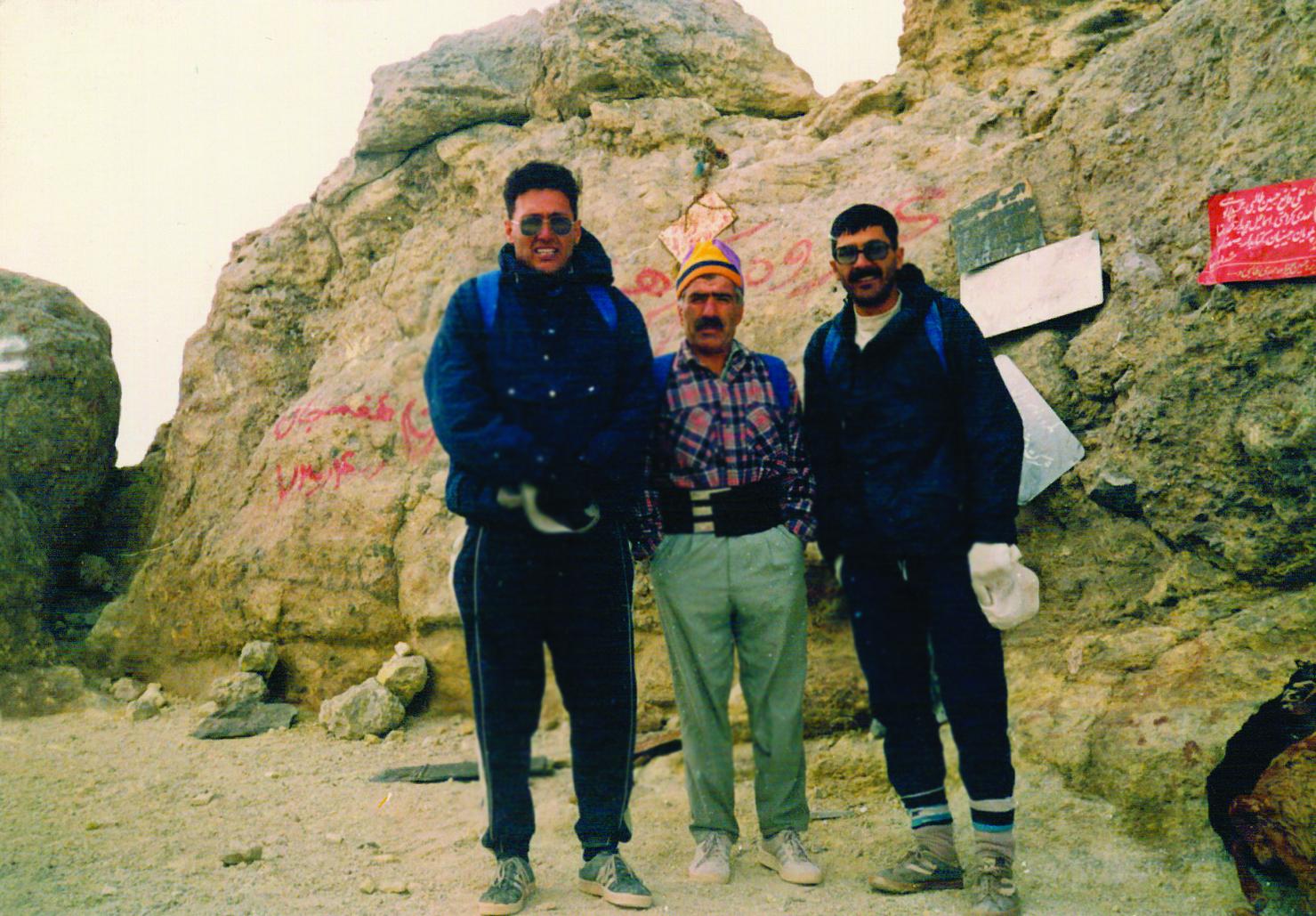 گزارش برنامه صعود یک روزه قله دماوند (از تهران به تهران) ـ ۱۳۹۳٫۰۷٫۰۴