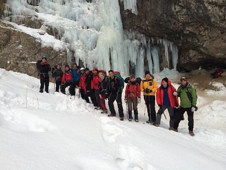 گزارش برنامه تمرین یخ و برف در آبشار خور ـ ۱۳۹۳٫۱۱٫۰۳