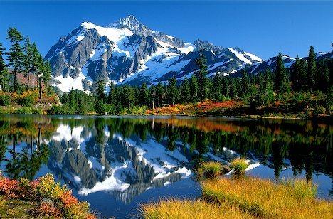 USA Washington State. Mt Shuksan (9038') Picture Lake, reflecting autumn color.