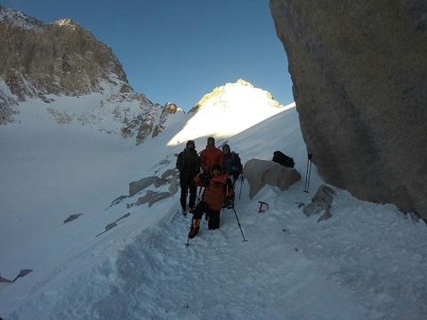 هفتهنامه دیواری باشگاه کوهنوردی و سنگنوردی اسپیلت(سال چهارم – شماره۱۶۷- تاریخ ۹۴،۱۱،۴)