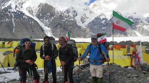 حمید محمودی و صعود موفقیت آمیز تیم کوهنوردان خراسان – قله ۷۴۳۹ متری پوبدا