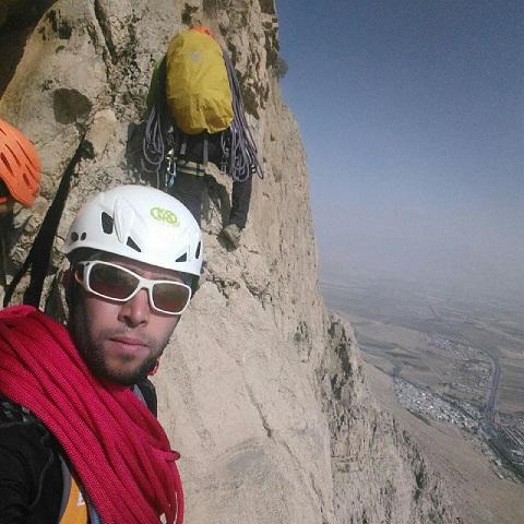 دوهفتهنامه دیواری باشگاه کوهنوردی و سنگنوردی اسپیلت (سال پنجم-شمارگان ۲۱۰ و ۲۱۱ -تاریخ ۵ و۹۵/۱۰/۱۲)