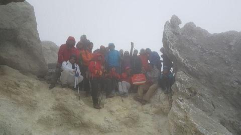 هر هفته یک برنامه «شماره ۷۰۳»/ این بار گزارش صعود قله دماوند (مسیرغربی-یال سیمرغ) ۱۹و۹۶/۵/۲۰