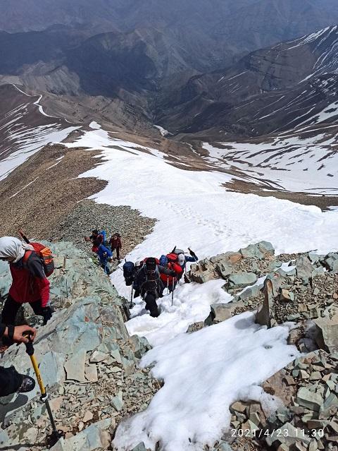 گزارش صعود قله توچال از یال ایگل ۱۴۰۰/۲/۳ – هر هفته یک برنامه «شماره ۱۰۰۰»