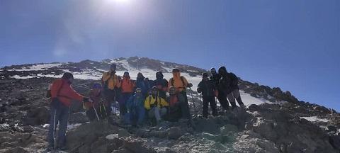 گزارش صعود یکروزه یال شمالی قله دماوند تا ارتفاع ۵۳۰۰ متر ۱۴۰۰/۷/۲- هر هفته یک برنامه «شماره ۹۳۳»