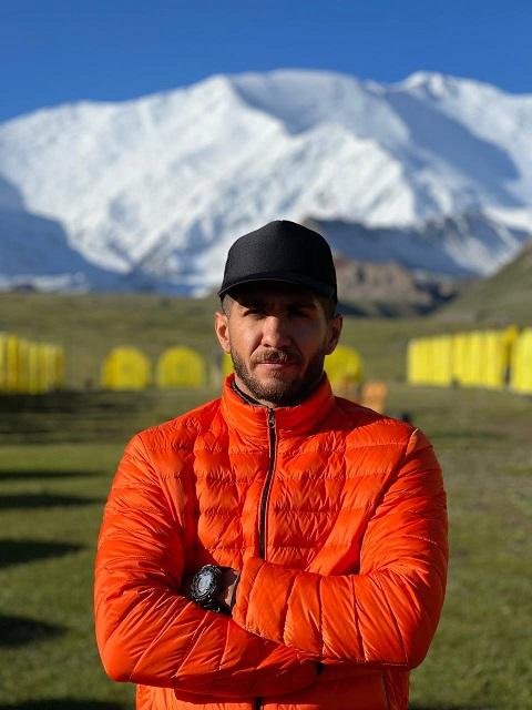 گزارش صعود قله لنین (۷۱۳۴ متر) سبحان سلیمی عضو رسمی باشگاه اسپیلت – تابستان ۱۴۰۰