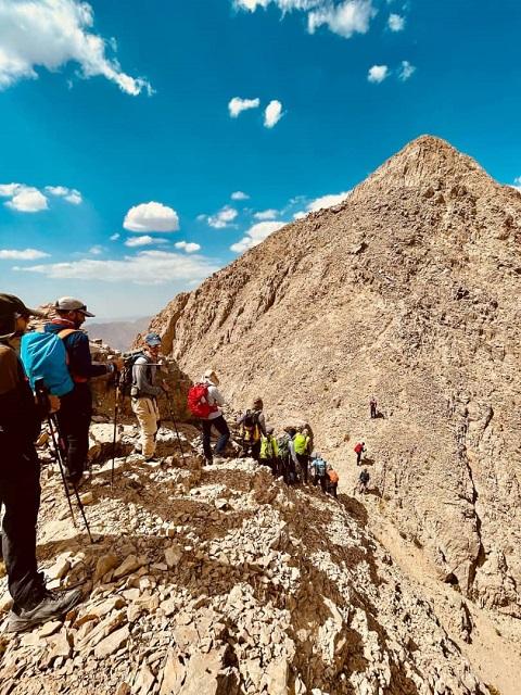 گزارش برنامه صعود قله قره داغ شرقی ۱۴۰۰/۶/۱۲ – هر هفته یک برنامه «شماره ۹۳۰»